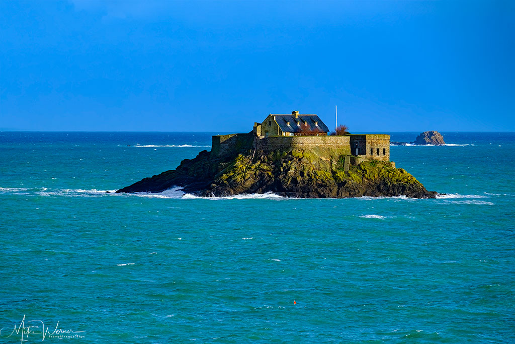 Fortress on the Harbour Island (L'ile Harbour) in front of Dinard'