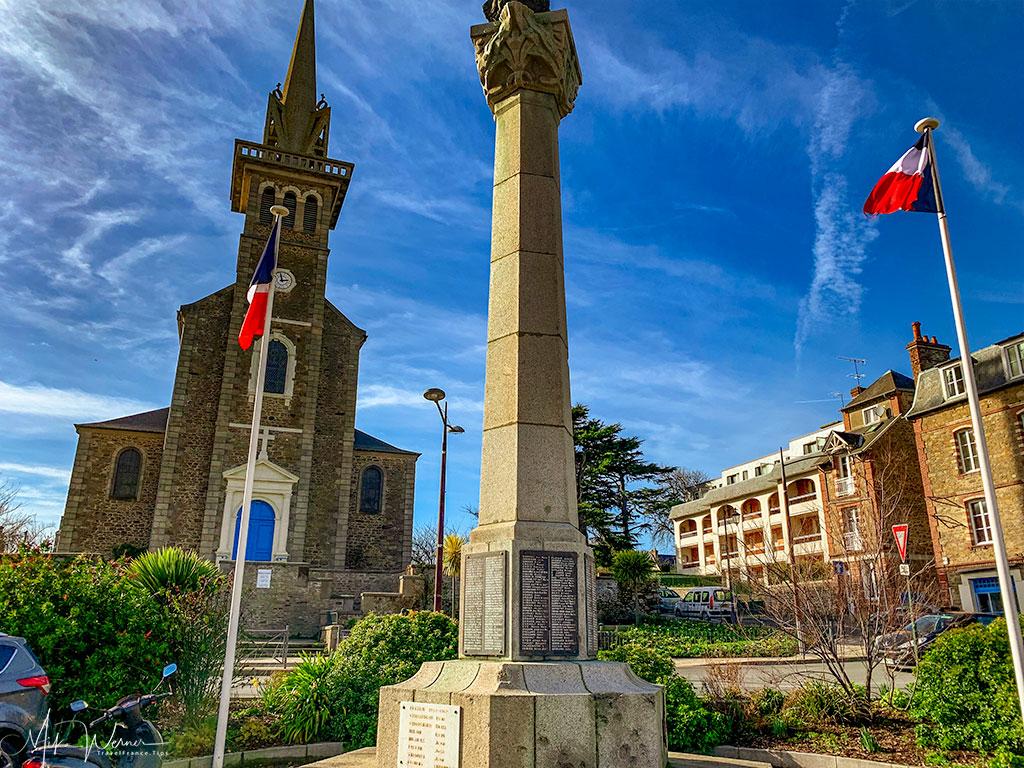 In front of the Notre Dame d'Emeraude de Dinard church