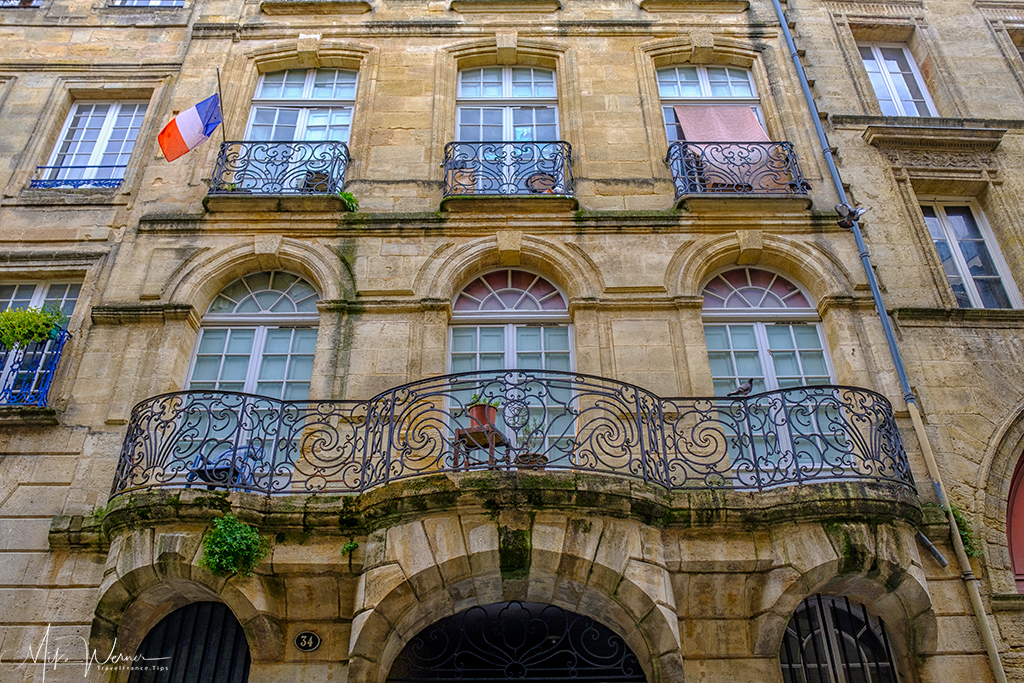 Balcony on a Bordeaux building