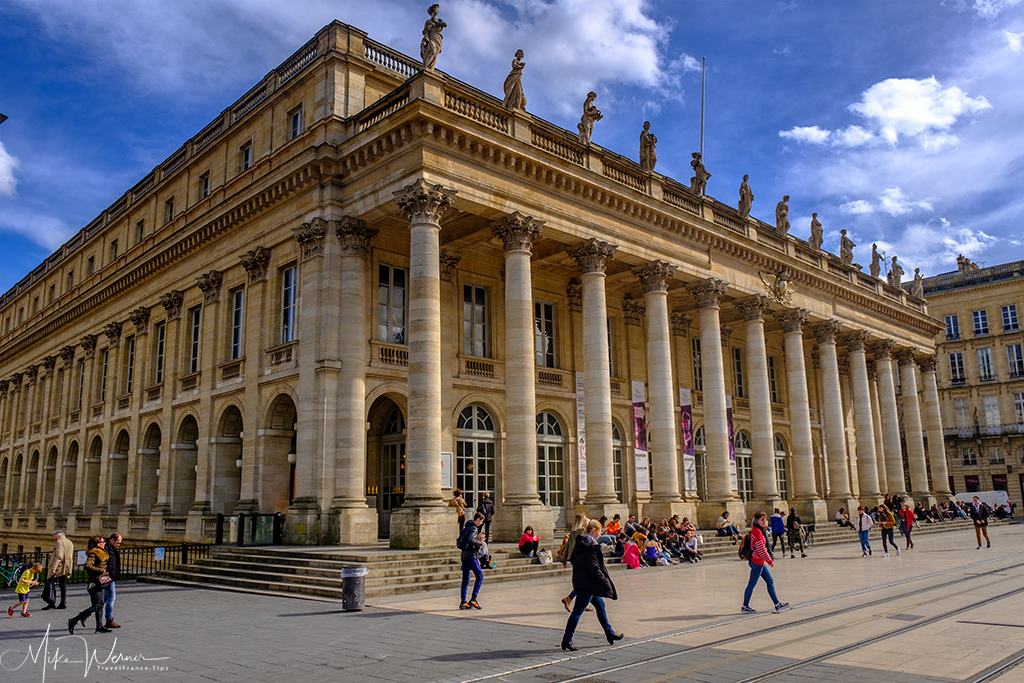 Side view of the Opera/Theatre (Grand Théâtre de Bordeaux)