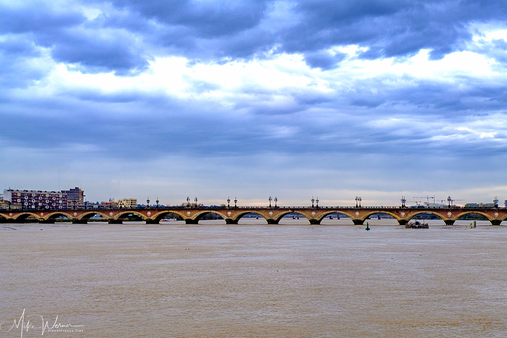 The Pont de Pierre bridge in Bordeaux