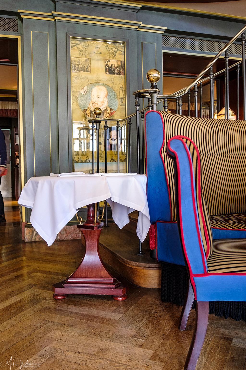Decor of the 'Le Bordeaux' restaurant of Gordon Ramsay