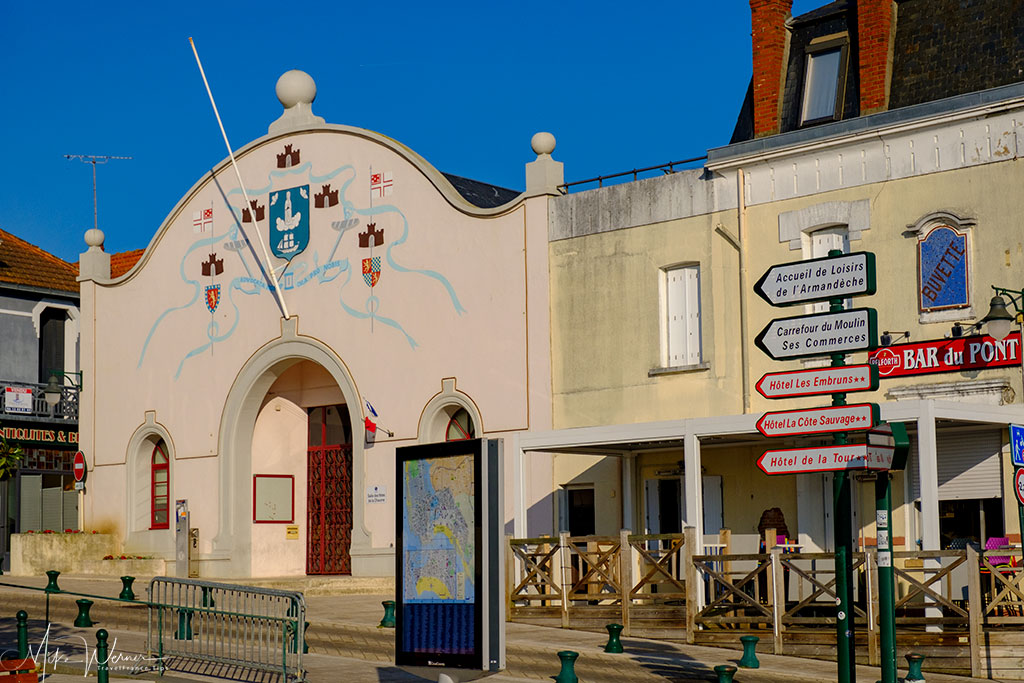 Community hall and restaurant at Les Sables-d'Olonne