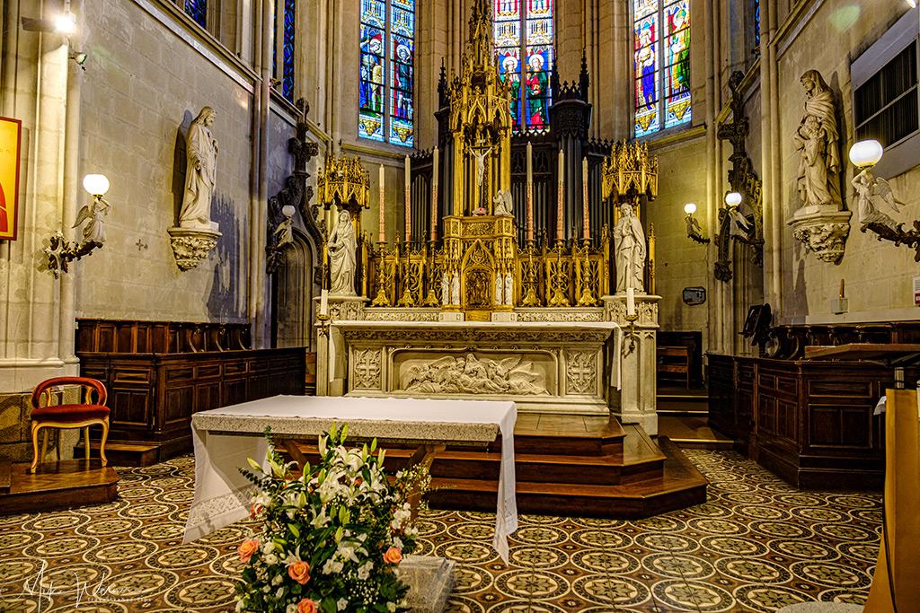 The altar of the Sainte-Croix church in Nantes
