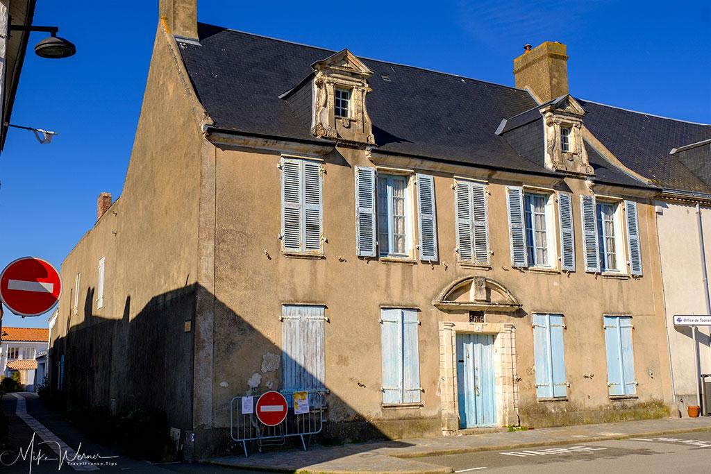 Simple houses in Noirmoutier-en-l'Ile