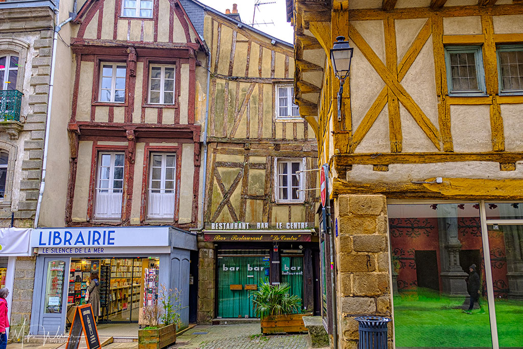 Bookshop and restaurant in Vannes, Brittany