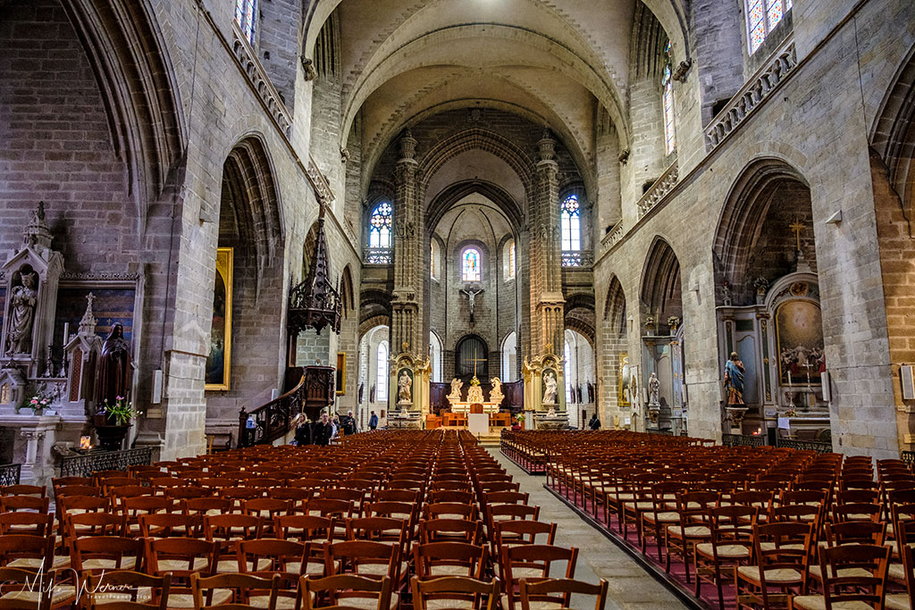 The nave of the Saint-Pierre cathedral of Vannes