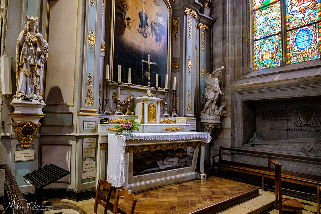 1 of 10 chapels in the Saint Pierre cathedral in Vannes