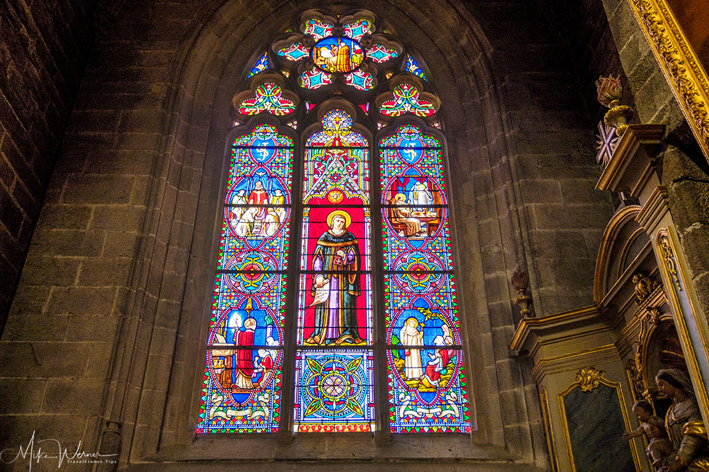Stained glass window in the Saint-Pierre cathedral of Vannes