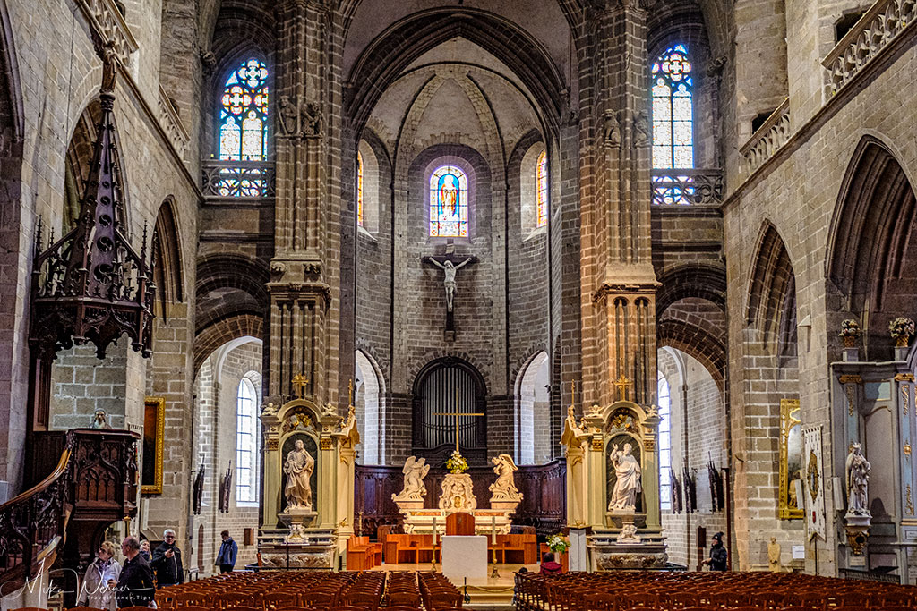 Close to the altar of the Saint-Pierre cathedral of Vannes