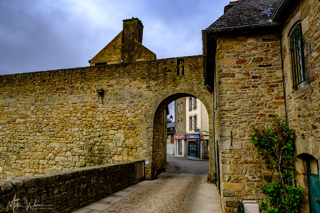 Poterne Gate, with its bridge alongside the ramparts of Vannes