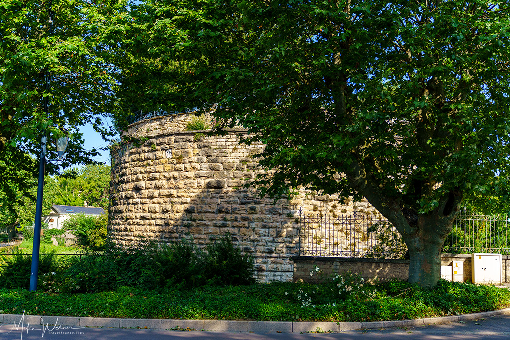 Another corner unit of the city fortified walls