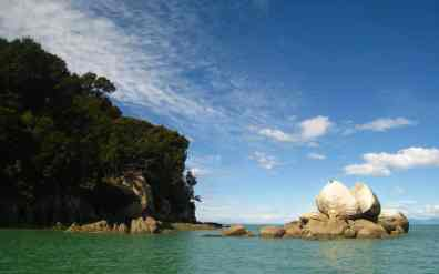 Split Apple Rock, Abel Tasman National Park