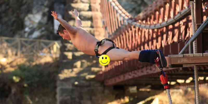 Bungy Jumping Naked!