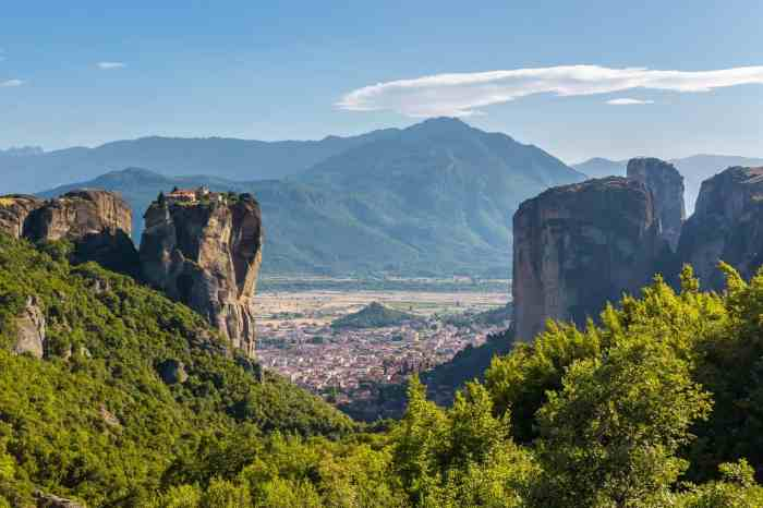 Meteora, Overlooking Kalabaka, Pictures of Greece