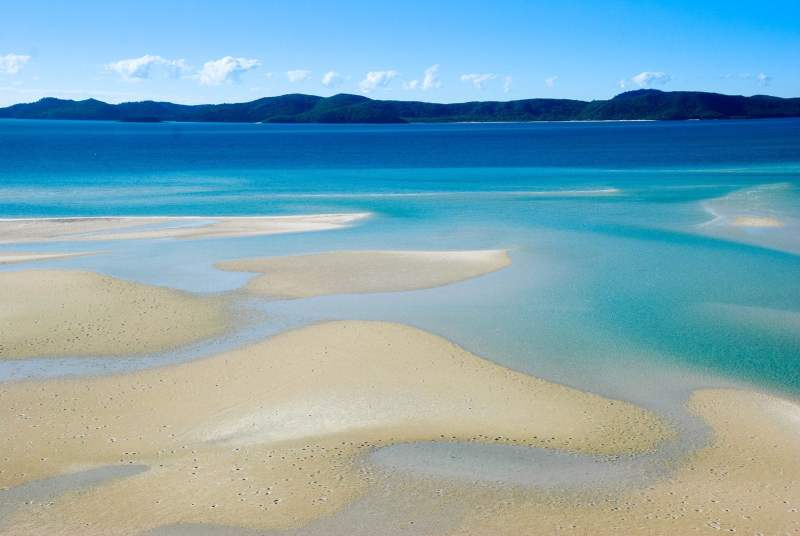 The stunning Whitehaven Beach in the Whitsunday Islands
