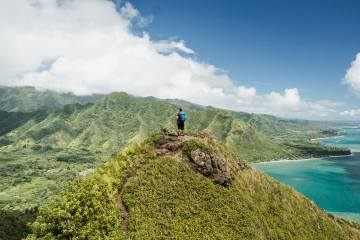 13 Best Oahu Hikes to Explore While Traveling in Hawaii