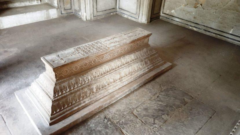 Inside tomb of Walter reinhardt Sombre, Agra