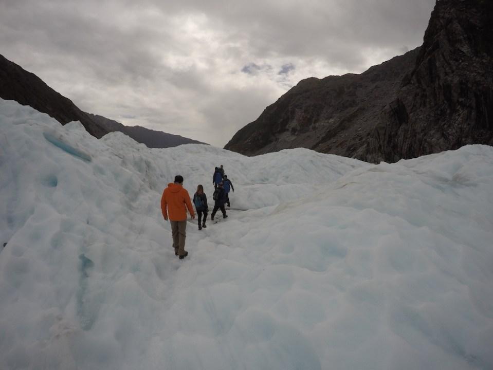 Glacier-Hike-Nieuw-Zeeland-reistsips-TravelGloss