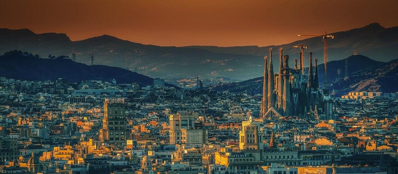 https://i0.wp.com/travelgranadatour.com/wp-content/uploads/2020/05/Sagrada-Familia-Barcelona.jpg?resize=1280%2C560&ssl=1
