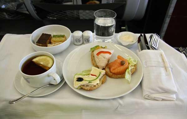 カタール航空(羽田線)ビジネスクラス 機内食