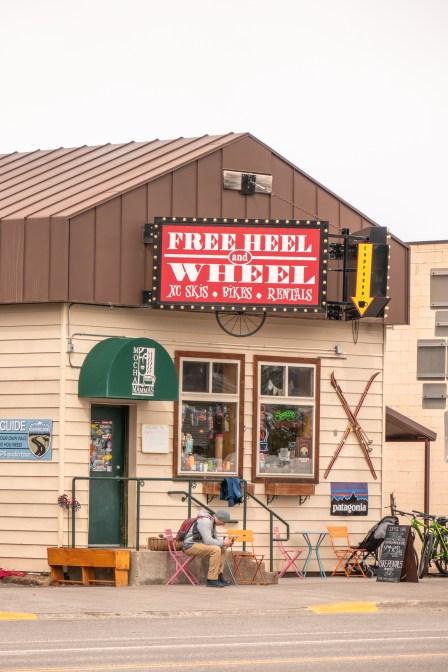 Freeheel & Wheel Bike Shop - Best time to visit Yellowstone National Park