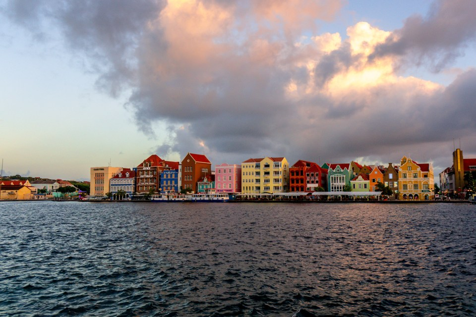 Top 10 Things to do in Curaçao - Pastel Colored Colonial Architecture