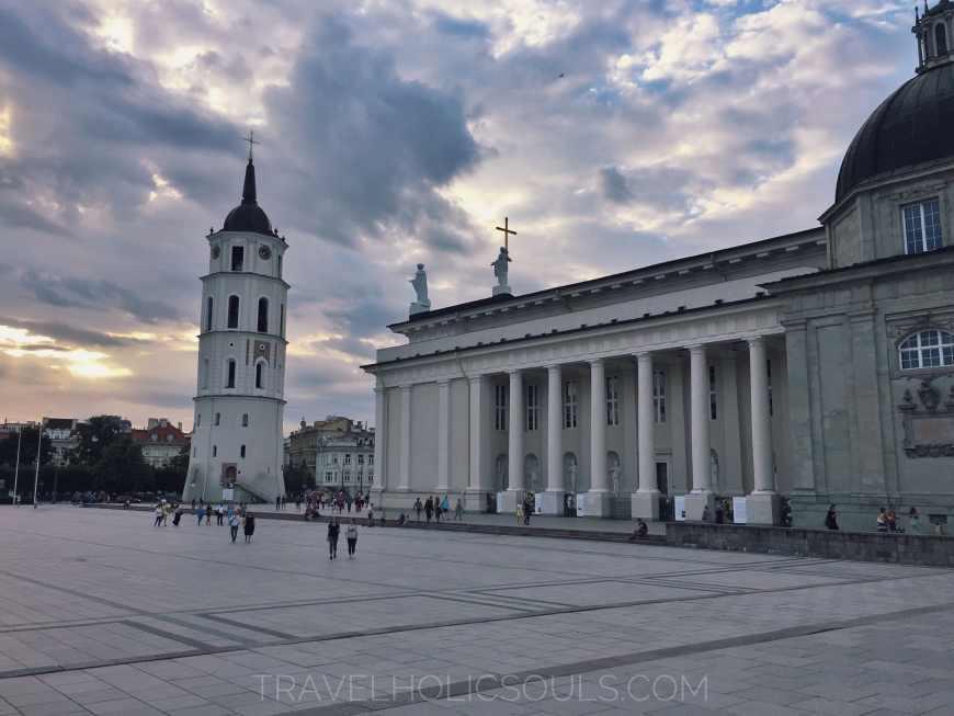 piazza della cattedrale a Vilnius
