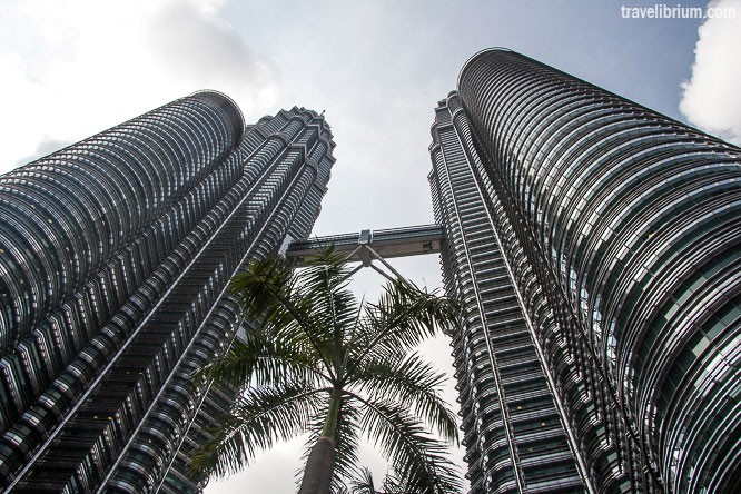 petronas-twin-towers_01