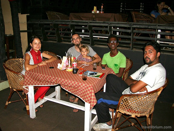 varkala cafe, indian friends