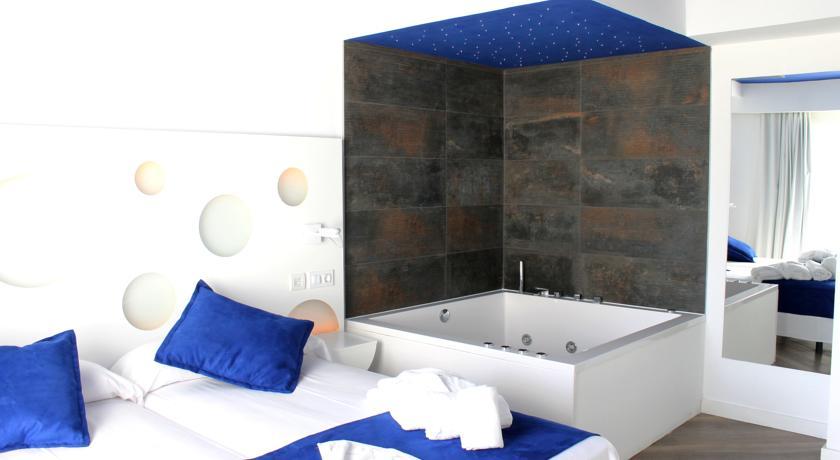 Chillout Hotel Triton Beach 4 Star Travelicon