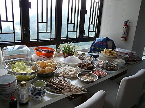 Hong Kong – Lantau Island 大嶼山食齋 + Hot Pot Night 打邊爐 – 漂泊中的魚