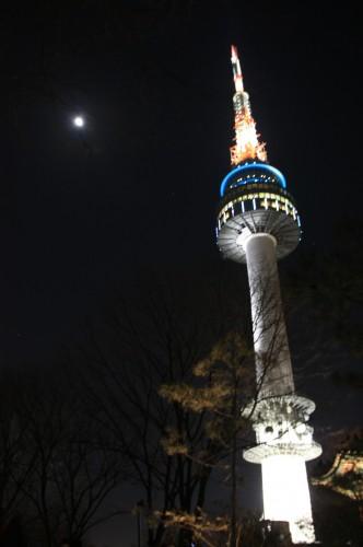 2012 首爾龍平滑雪團 – Day 1 Part 3 N Seoul Tower @ 南山公園 – 漂泊中的魚