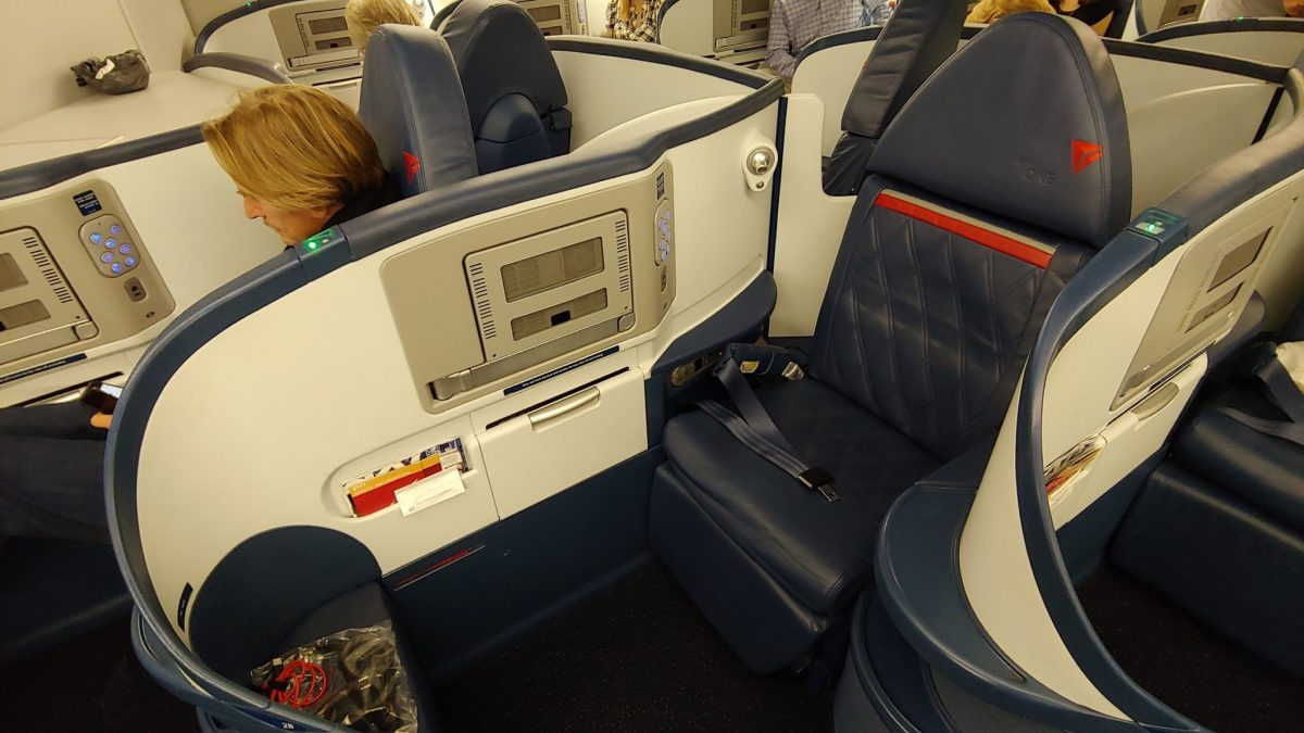 Domestic #DeltaOne on a Boeing 777-200