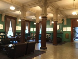 Cedar Rapids Museum of Art, a library of beauty