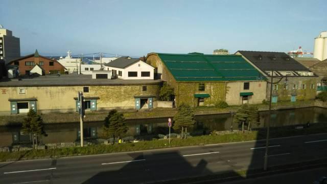 小樽ふる川のお部屋からの運河の景色