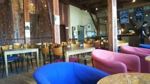 ジョジョズカフェの飲食スペース