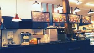 函館ベイエリアの赤レンガ倉庫のカフェ
