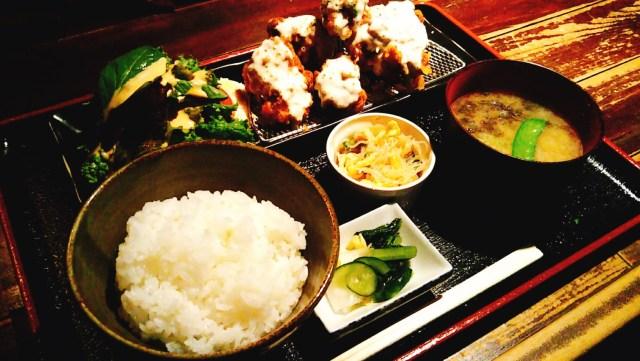 八幡平市「らんぷ」のわさび唐揚げ定食