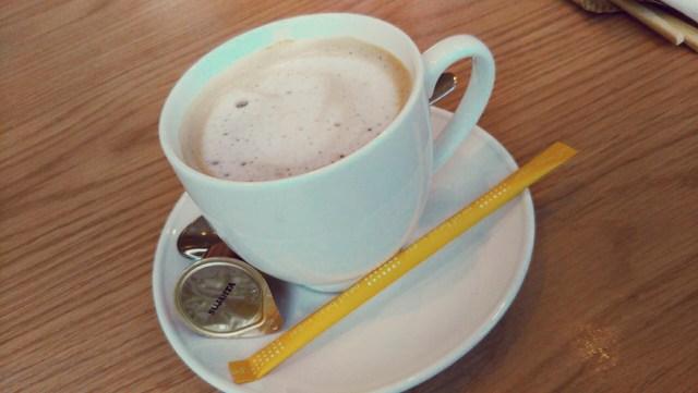 函館カフェakiraでコーヒーブレイク!