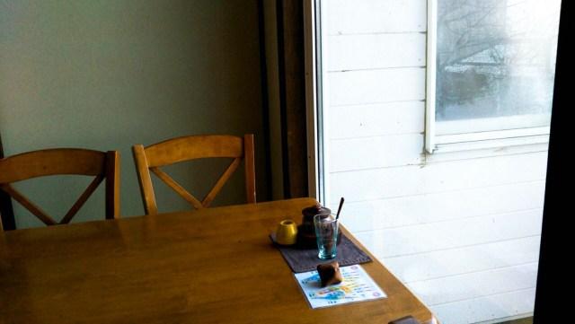 函館「茶房菊泉」テーブル席