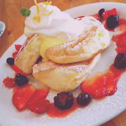ハワイ「クリームポット」のふわふわパンケーキとクレープの朝食!