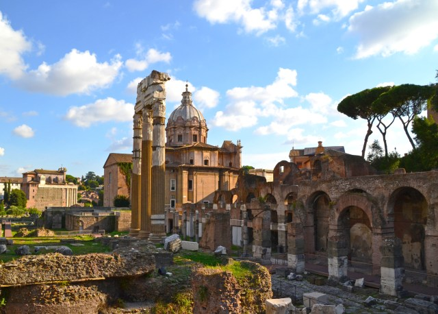 The Roman Forum, Rome, Italy @travelingintandem