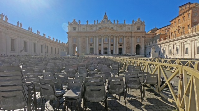 The Vatican Papal Audience @travelingintandem