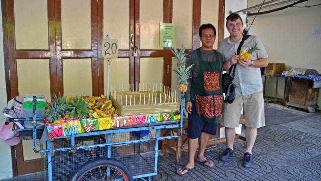 pineapple man Bangkok @travelingintandem