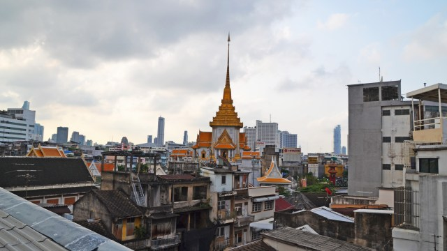 Temple from The Orientale in Bangkok @travelingintandem