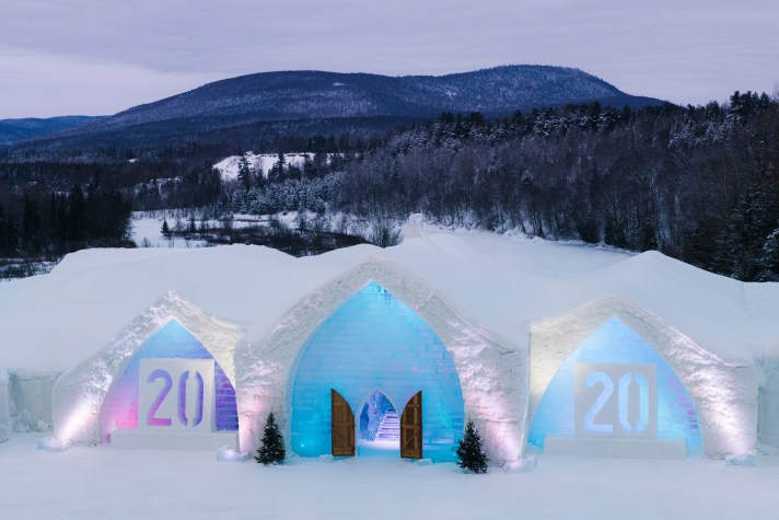 Exterior view of Hôtel de Glace (Ice Hotel) in Québec