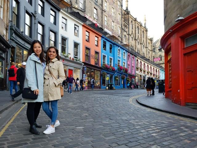 Edinburgh-colorful-street