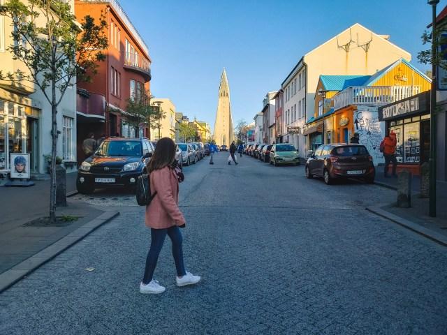 Reykjavik-Yagmur-walking