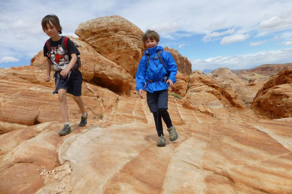 Hiking trails - White Dome and Prospect Trails in Valley of Fire State Park, NV, Mojave Desert